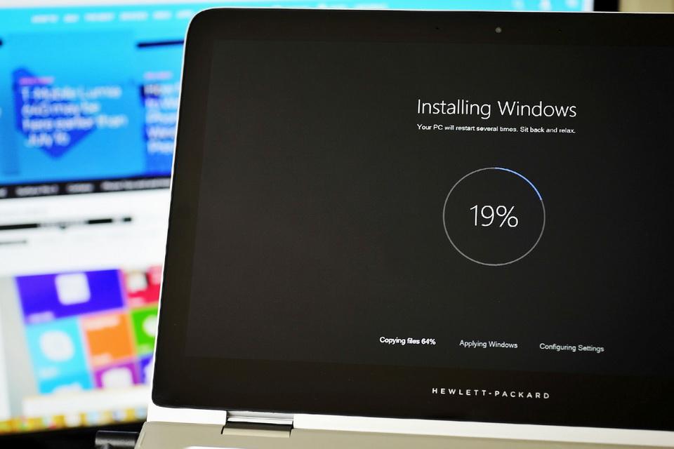 Hãng laptop Dell và HP khuyến nghị không nên nâng cấp Windows 10