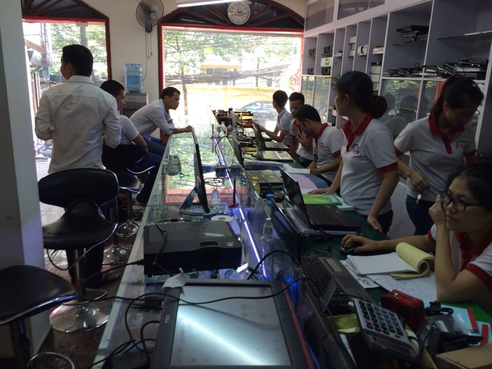 Thay sửa màn hình máy tính Samsung NP-Q328