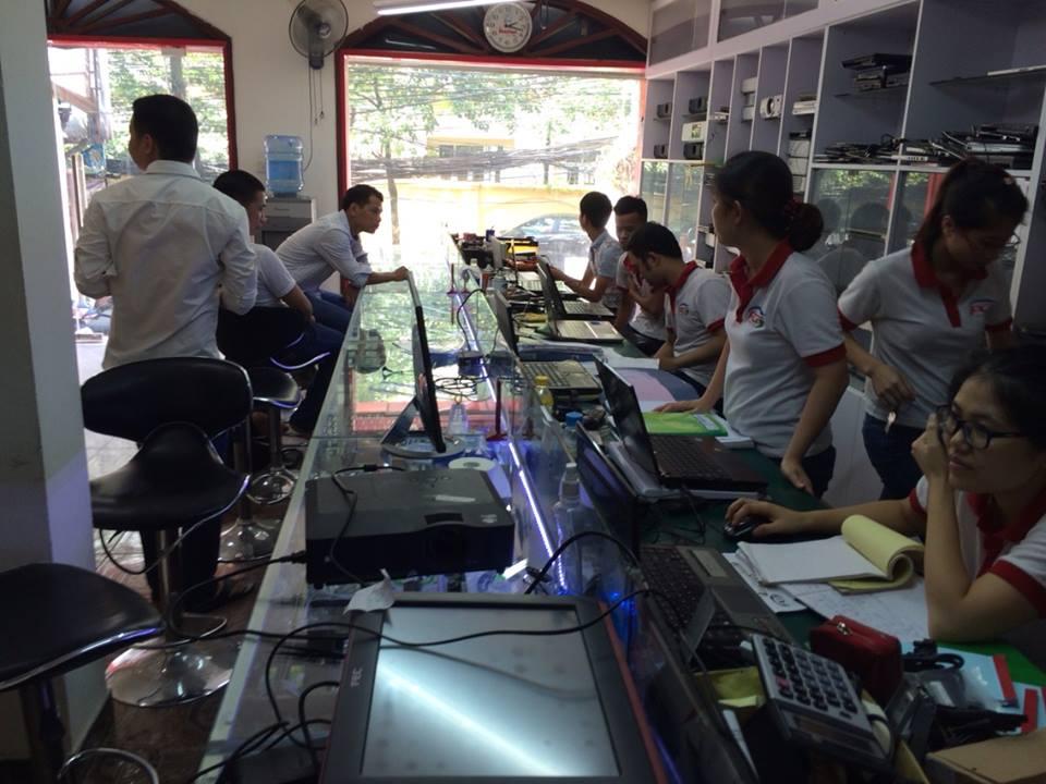 Thay màn hình laptop HP H450